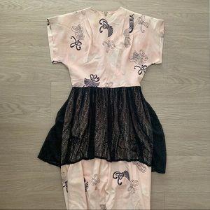 Vintage 1940s Pink Bow Black Lace Peplum Dress 🎀